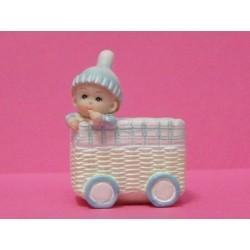 conditionnement : bébé bleu dans son landeau